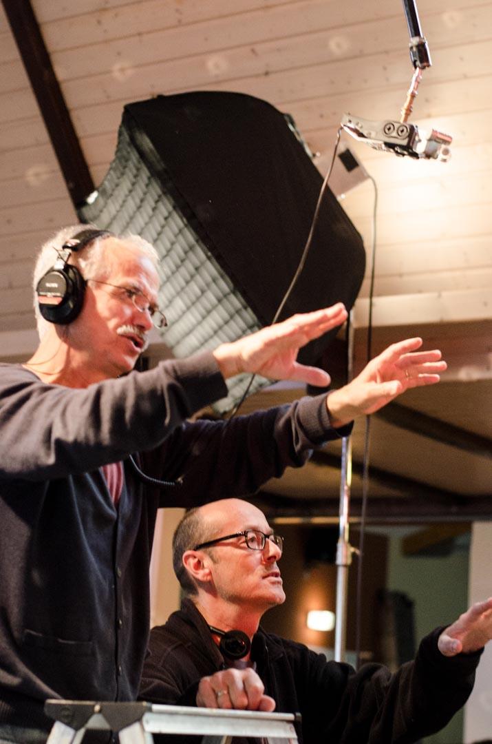Tonmeister Juan Romero mit Regisseur Benno Gut